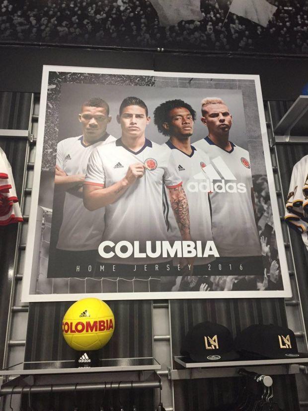 "Adidas s'en va-t-en ""Columbia"""